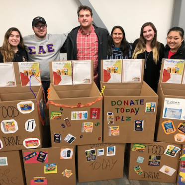 Student volunteers at SPC food drive