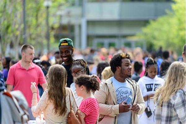 Students in the Common at the Annual Student Involvement Fair.